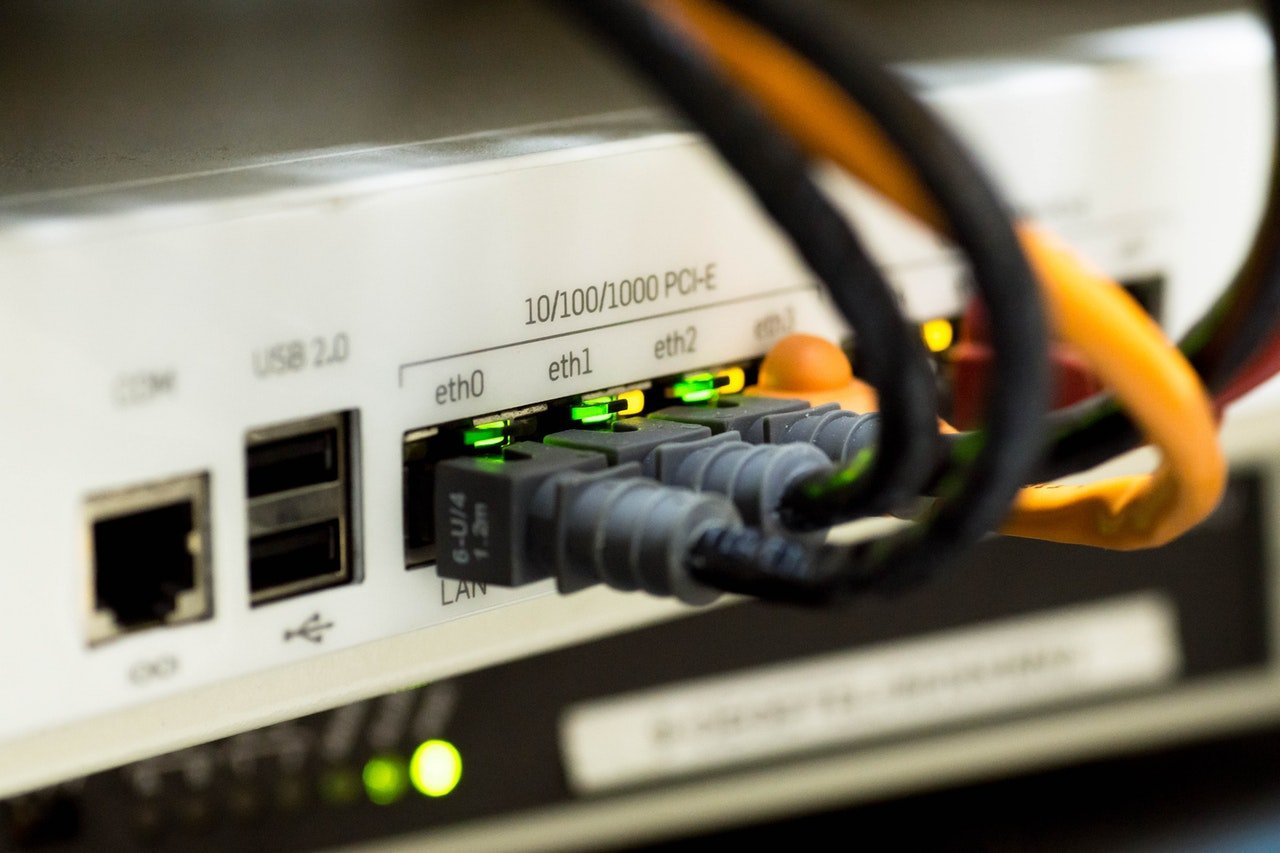 A Brief Guide to Choosing the Right Service From Internet Providers